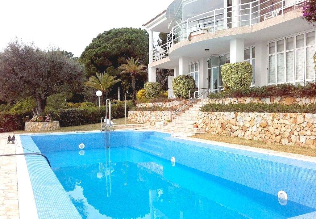 Недвижимость в испании побережье барселоны