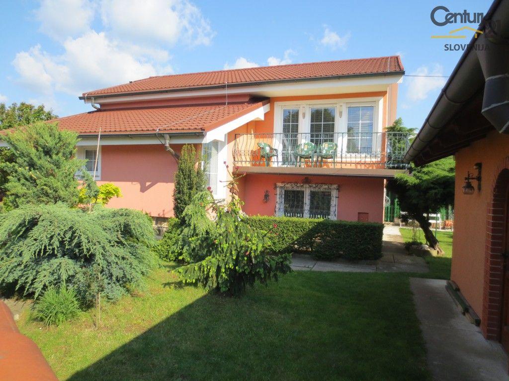 Дом в Мариборе, Словения, 271 м2 - фото 1