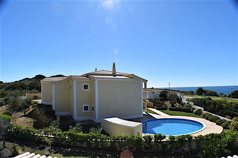 Вилла в Лагуше, Португалия, 910 м2 - фото 1
