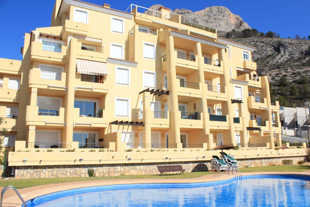 Квартира в Альтеа, Испания, 75 м2 - фото 1