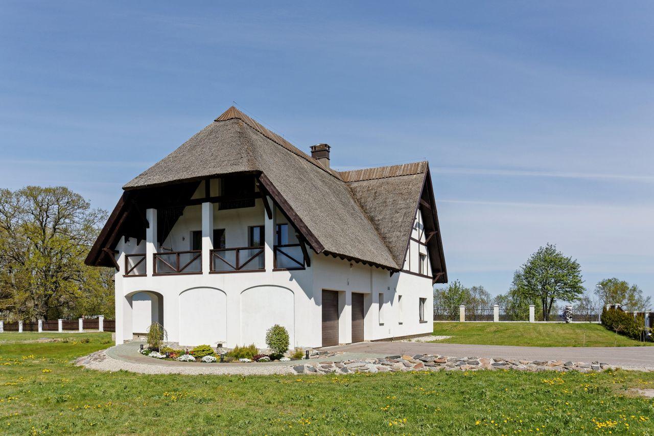 Дом в Энгурском крае, Латвия, 5950 м2 - фото 1