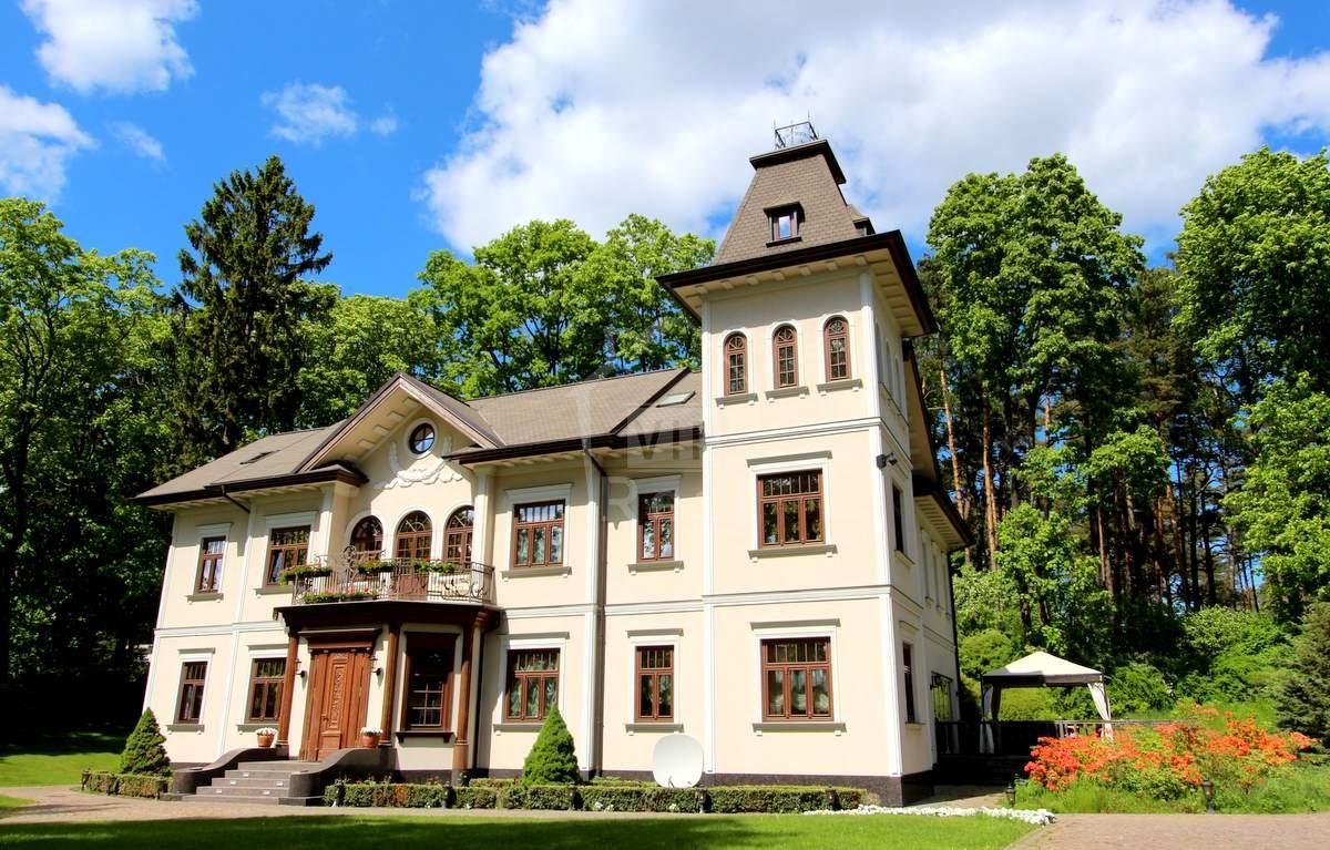 Дом в Юрмале, Латвия, 3521 м2 - фото 1
