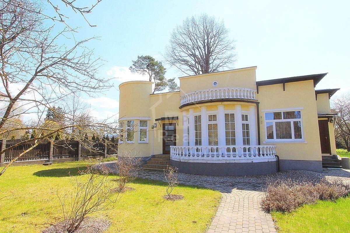 Дом в Юрмале, Латвия, 1130 м2 - фото 1