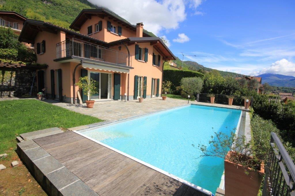 Вилла у озера Комо, Италия - фото 1