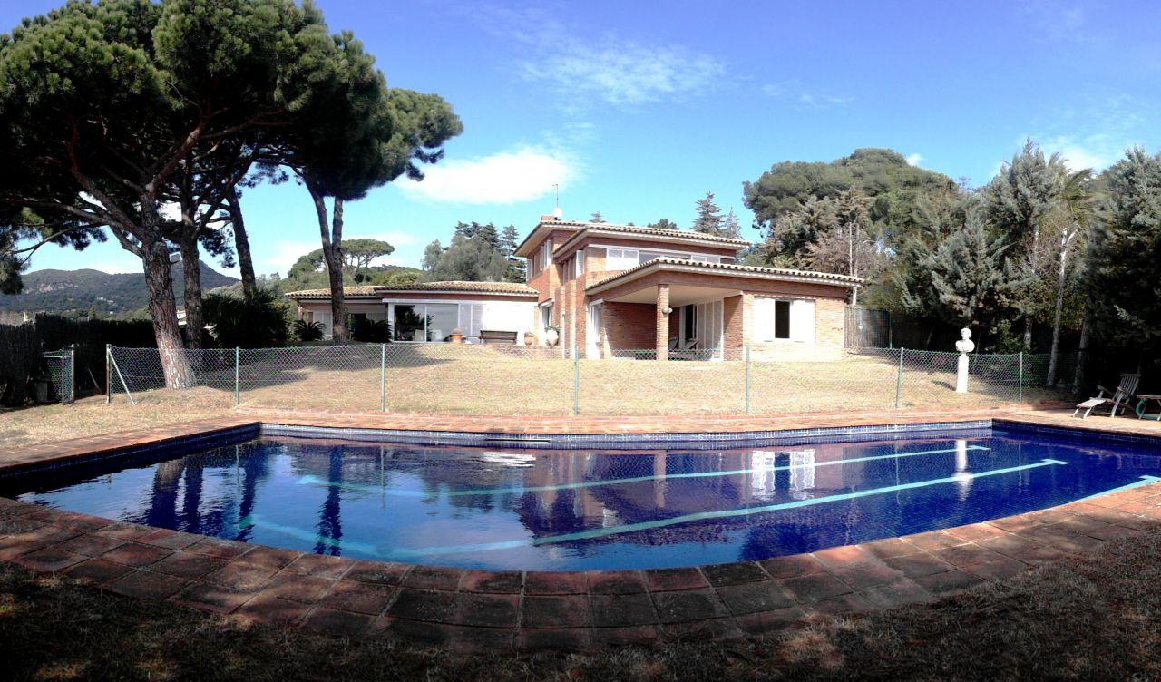 Элитные недвижимость в испании