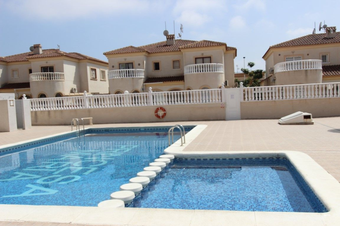 Дом в Торревьехе, Испания, 217 м2 - фото 1