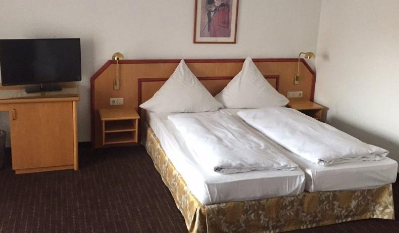 Отель, гостиница в Северной Баварии (Франконии), Германия, 1 м2 - фото 1