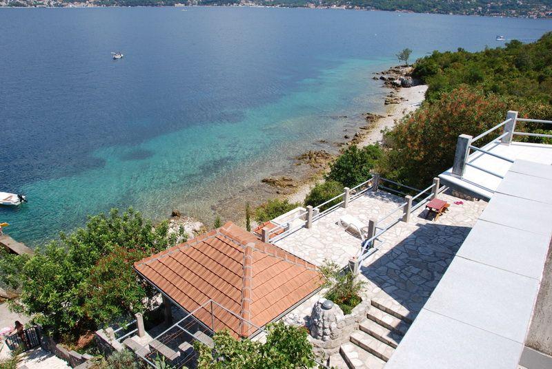Вилла на полуострове Луштица, Черногория, 347 м2 - фото 1