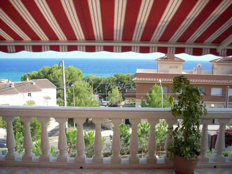 Дом в Салоу, Испания, 1000 м2 - фото 1