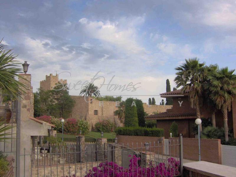 Дом в Камбрильсе, Испания, 600 м2 - фото 1