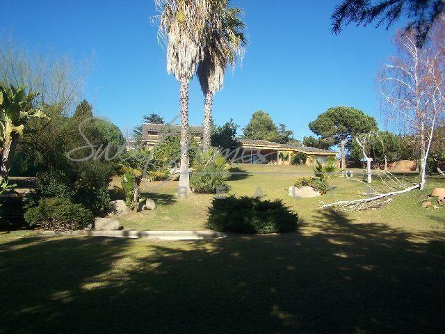 Дом на Коста-дель-Маресме, Испания, 450 м2 - фото 1