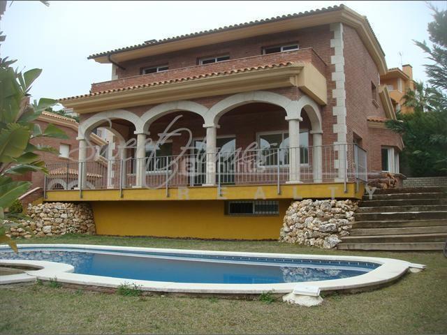 Дом на Коста-дель-Маресме, Испания, 470 м2 - фото 1