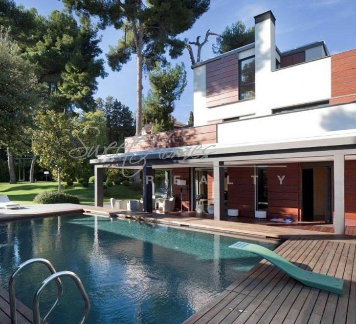 Дом в Барселоне, Испания, 2200 м2 - фото 1