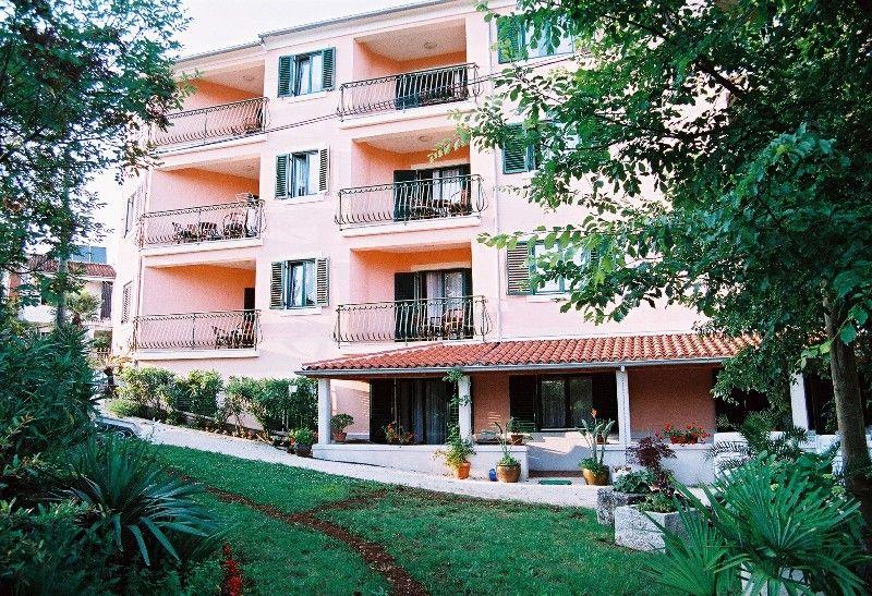 Отель, гостиница в Порече, Хорватия, 900 м2 - фото 1
