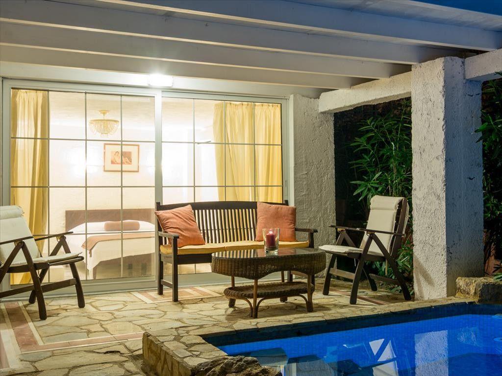 Коммерческая недвижимость Халкидики-Ситония, Греция, 500 м2 - фото 1