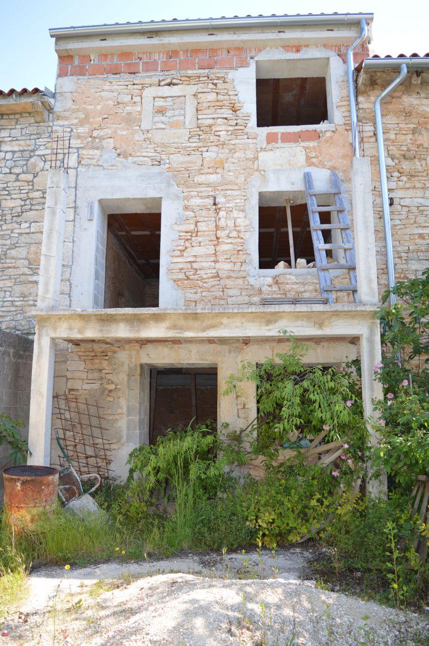Дом под реконструкцию в Юршичах, Хорватия, 91 м2 - фото 1
