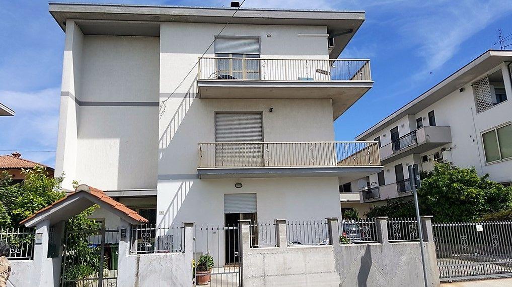 Квартира в Абруццо, Италия, 70 м2 - фото 1
