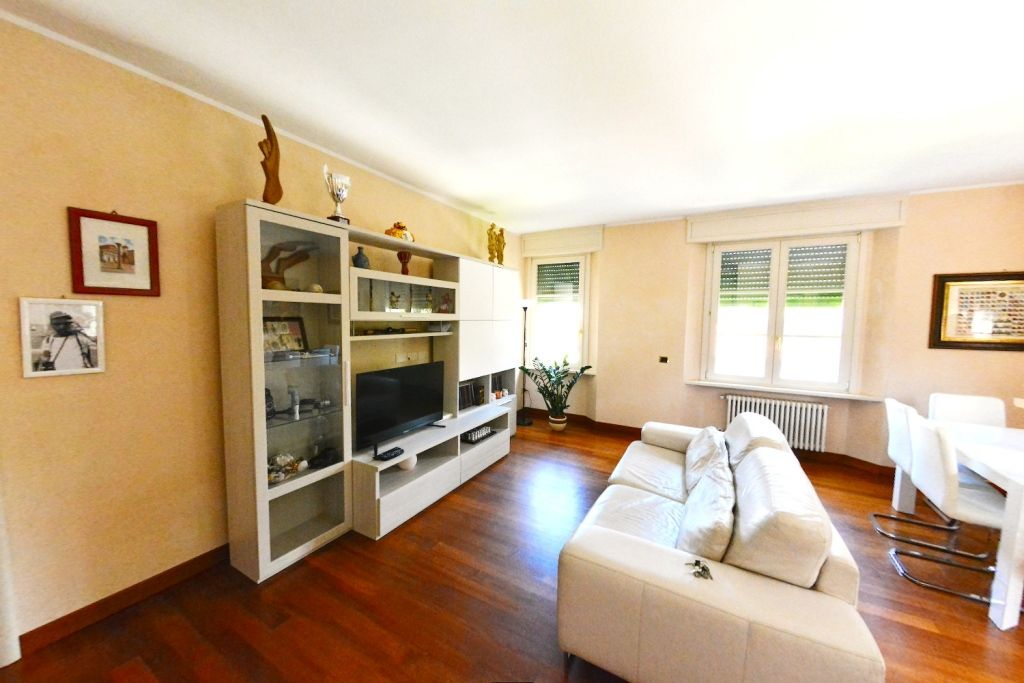 Квартира в Виареджо, Италия, 96 м2 - фото 1