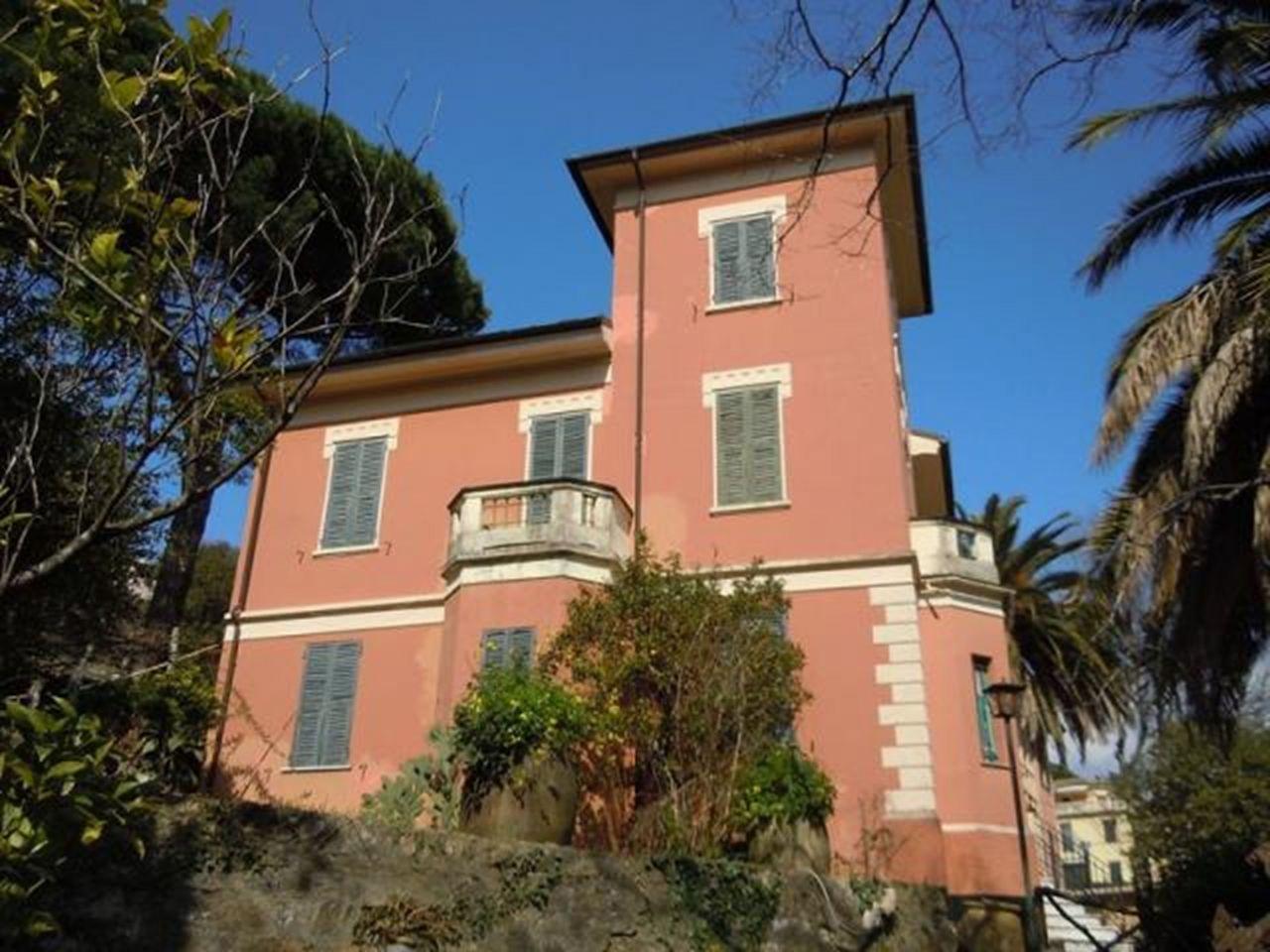 Вилла в Санта-Маргерита-Лигуре, Италия, 621 м2 - фото 1