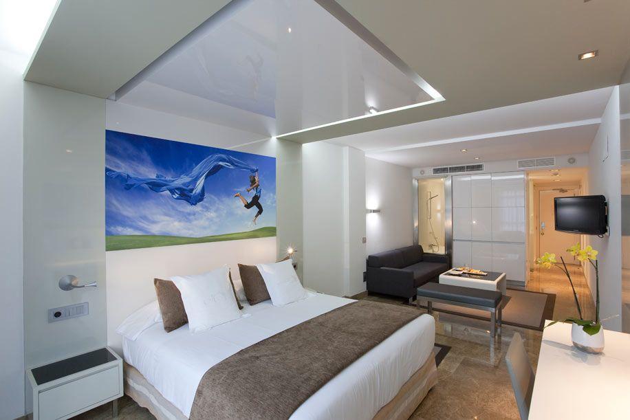 Отель, гостиница в Барселоне, Испания, 2084 м2 - фото 1