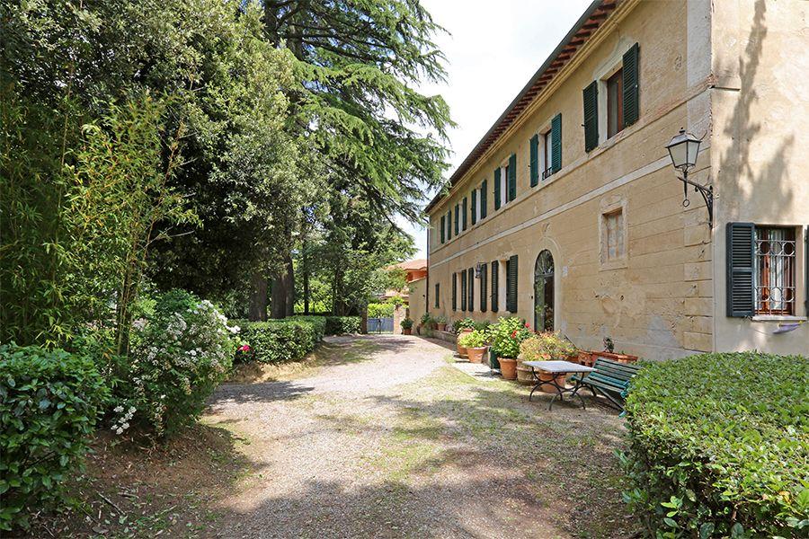 Вилла в Сиене, Италия, 1000 м2 - фото 2