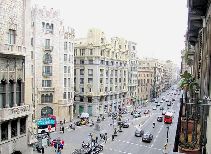 Квартира в Барселоне, Испания, 220 м2 - фото 1