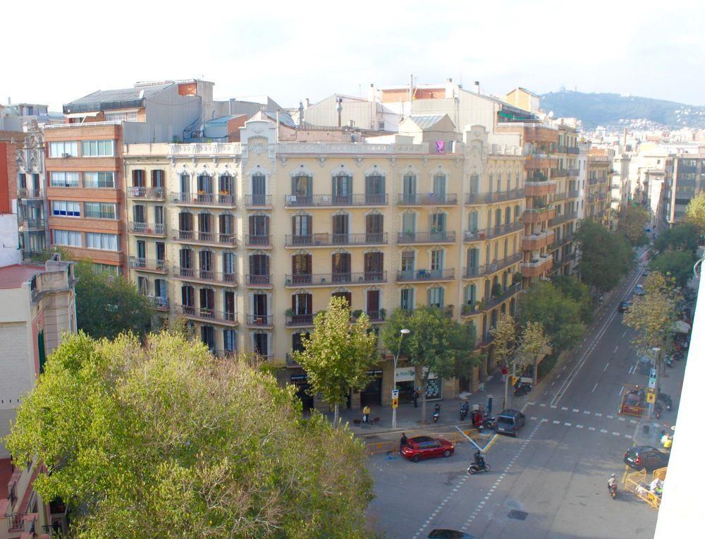 Отель, гостиница в Барселоне, Испания, 2100 м2 - фото 1