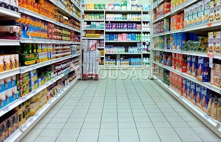 Магазин в Барселоне, Испания, 890 м2 - фото 1