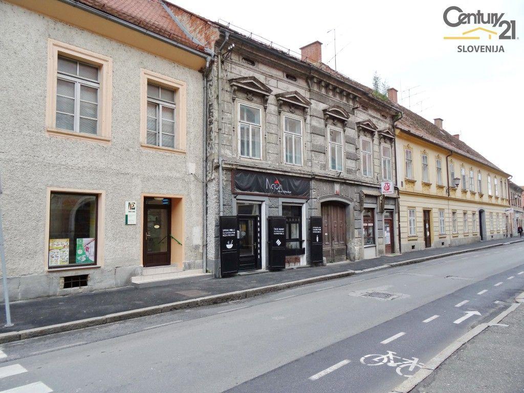 Квартира в Мариборе, Словения, 251.4 м2 - фото 1