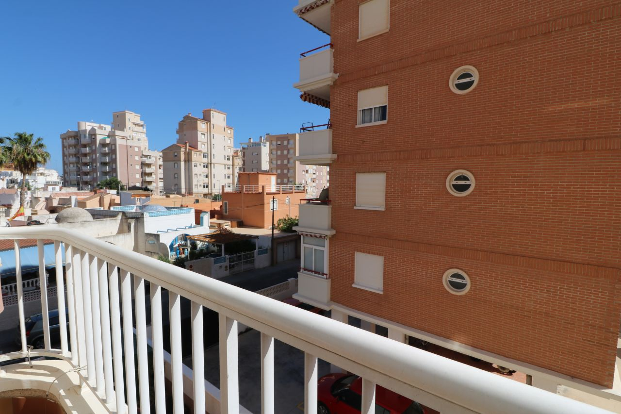 Апартаменты в Торревьехе, Испания, 48.8 м2 - фото 1