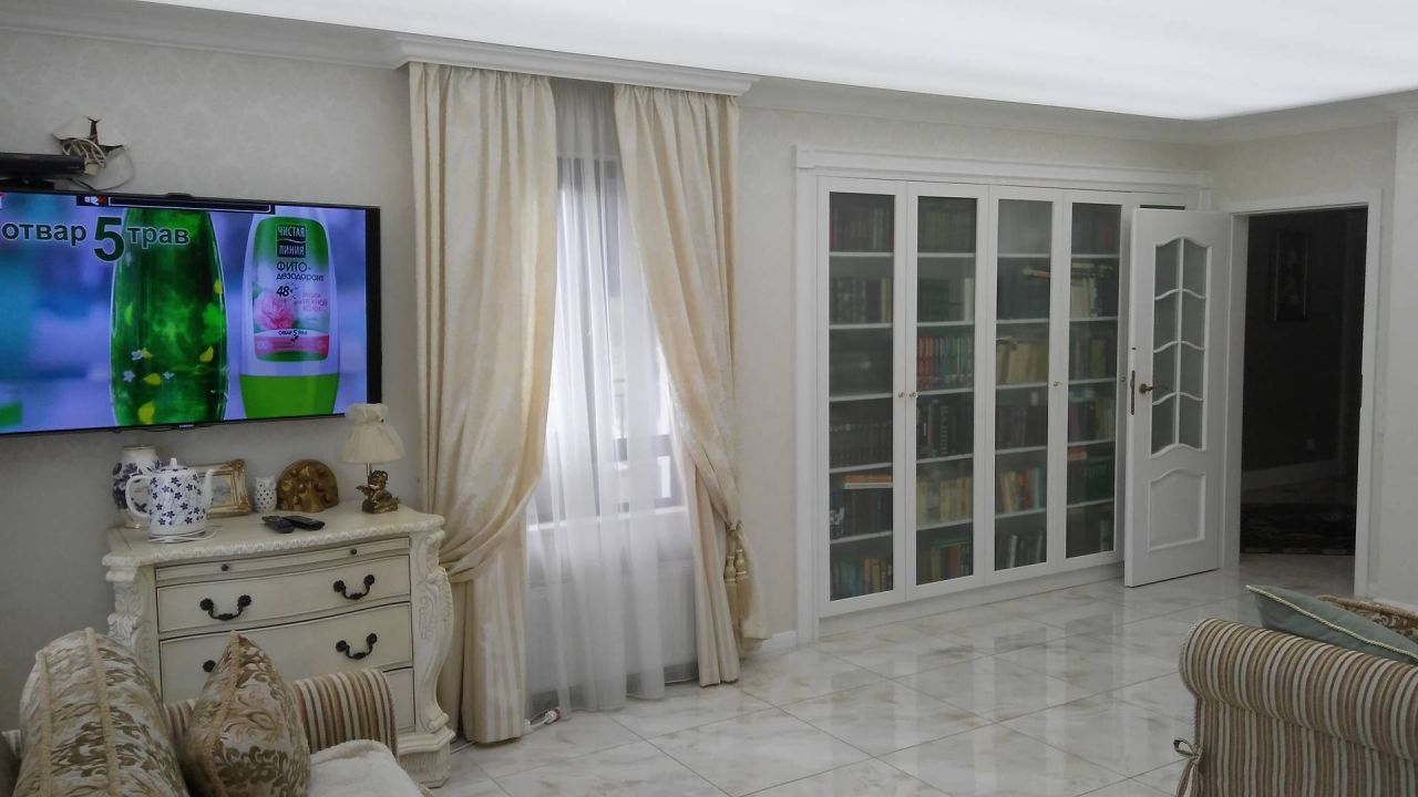 Квартира в Варне, Болгария, 170 м2 - фото 1