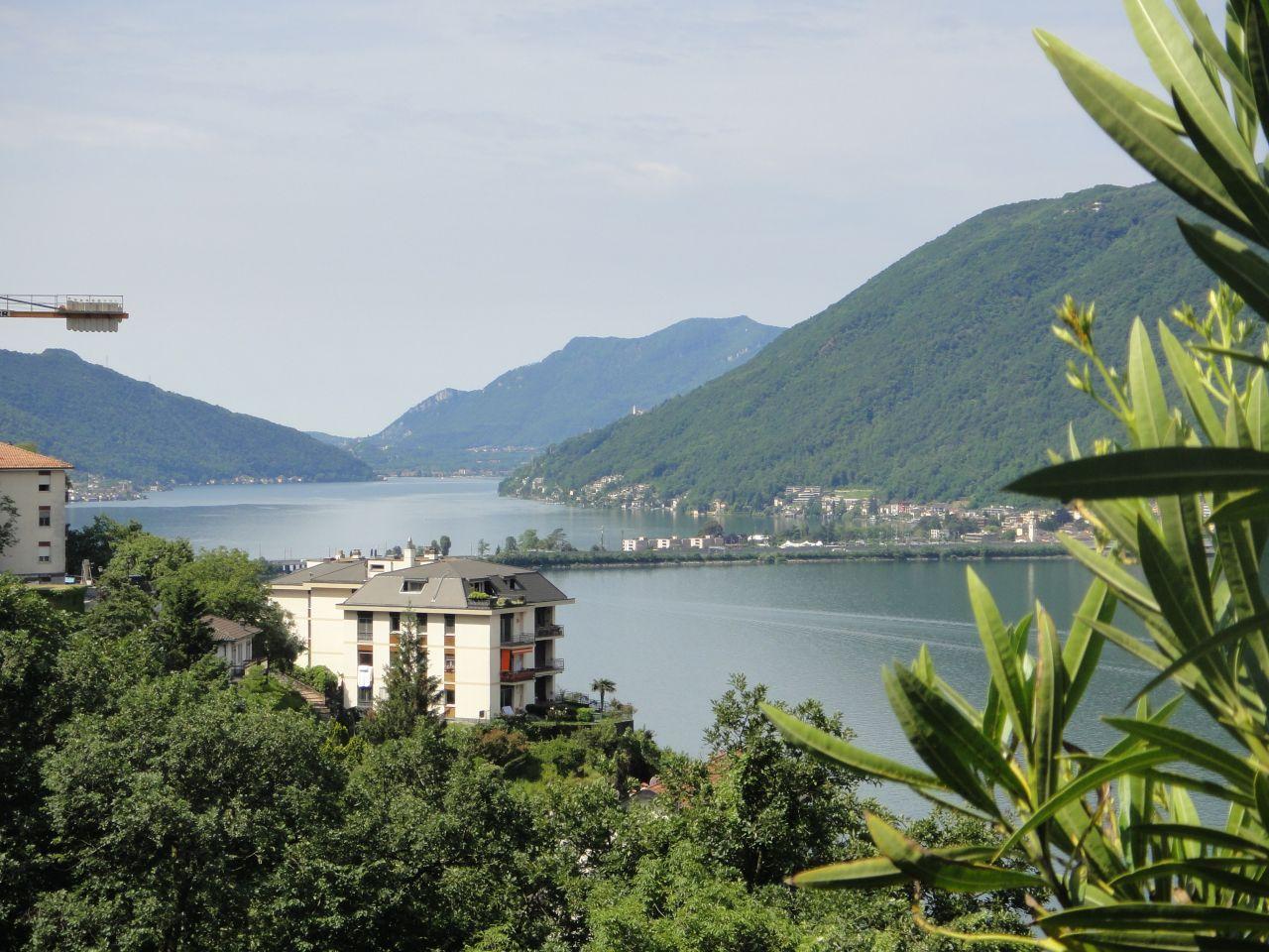 Коттедж в Кампионе-д'Италия, Италия - фото 1