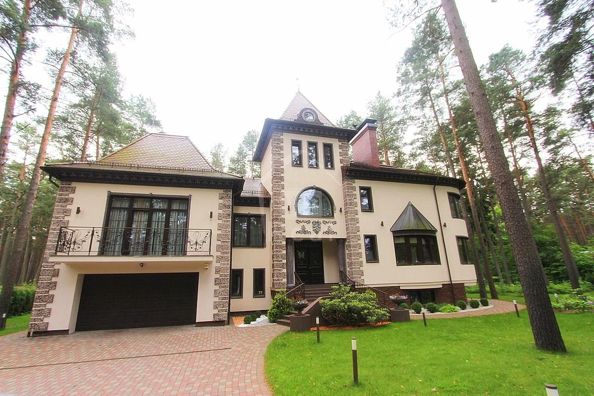 Дом в Юрмале, Латвия, 3700 м2 - фото 1