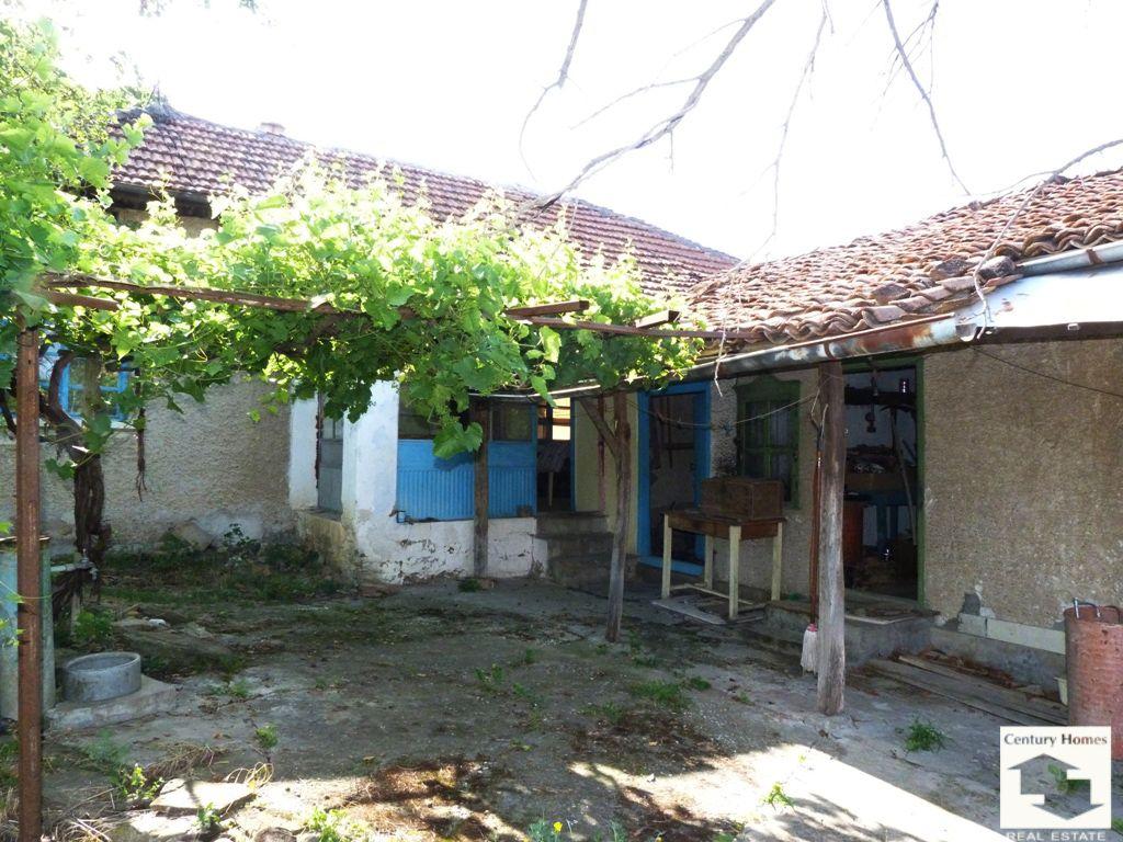Дом в Велико Тырново, Болгария, 1600 м2 - фото 1
