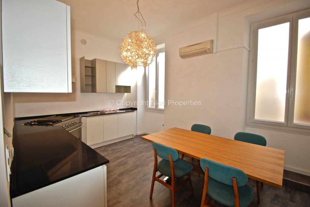 Квартира в Больё-сюр-Мер, Франция, 230 м2 - фото 1