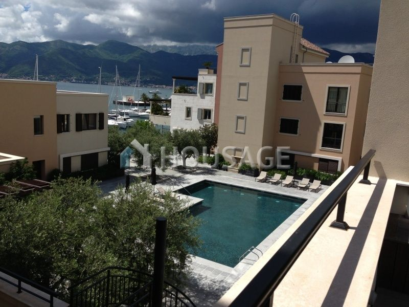 Апартаменты в Тивате, Черногория, 179 м2 - фото 1