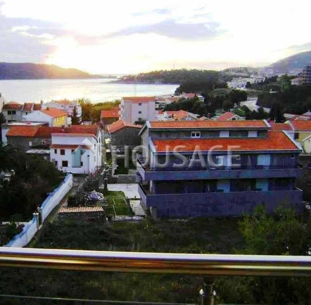 Квартира в Бечичи, Черногория, 137 м2 - фото 1
