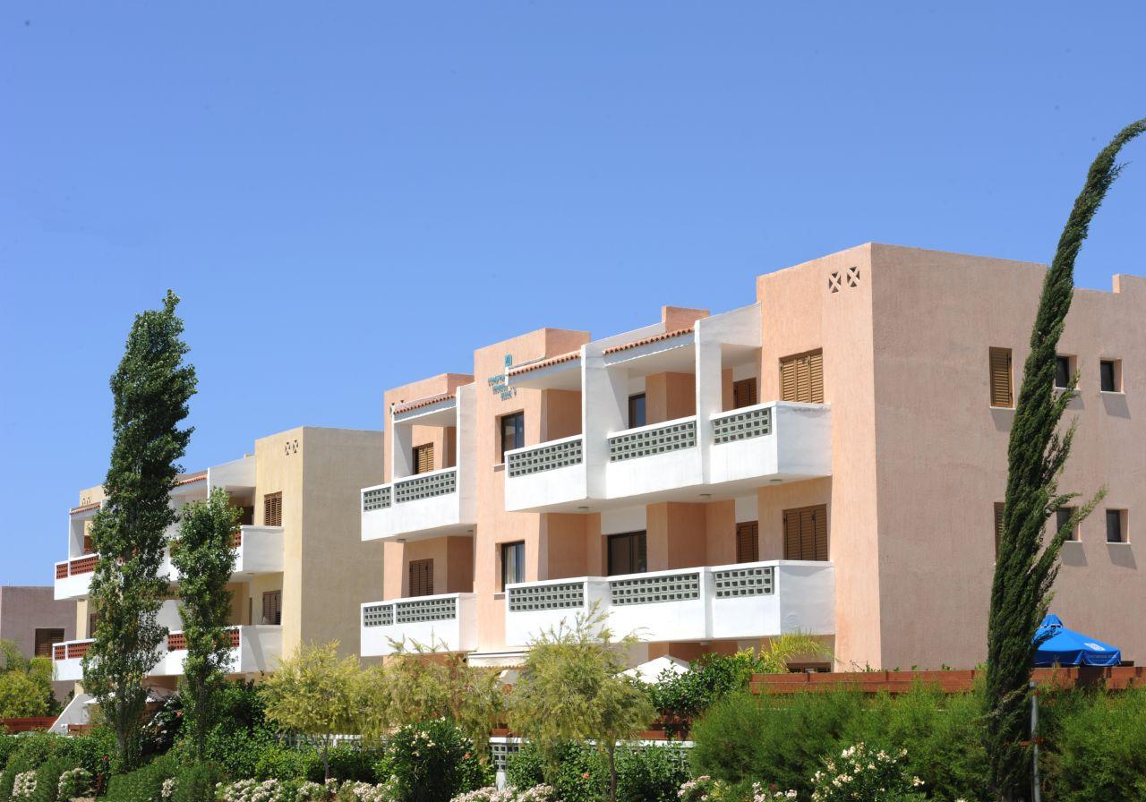 Апартаменты в Пафосе, Кипр, 74 м2 - фото 1