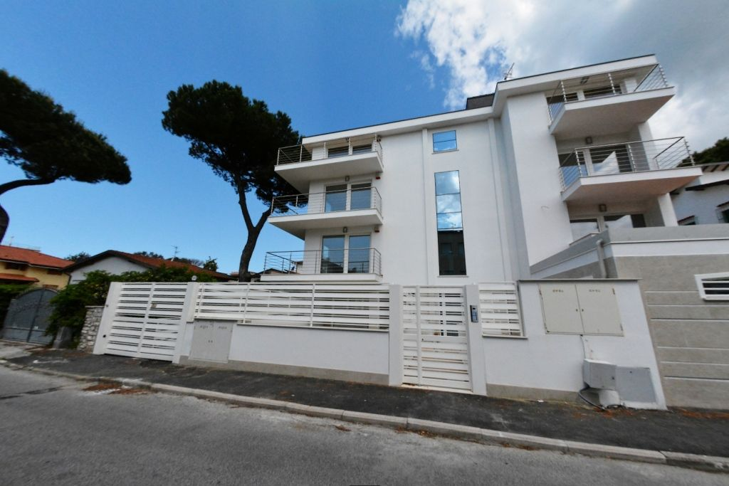 Квартира в Версилии, Италия, 110 м2 - фото 1