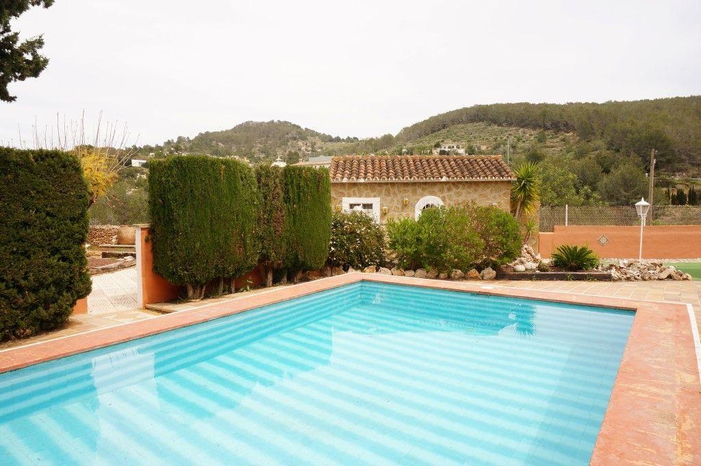 Вилла в Кальпе, Испания, 1800 м2 - фото 1