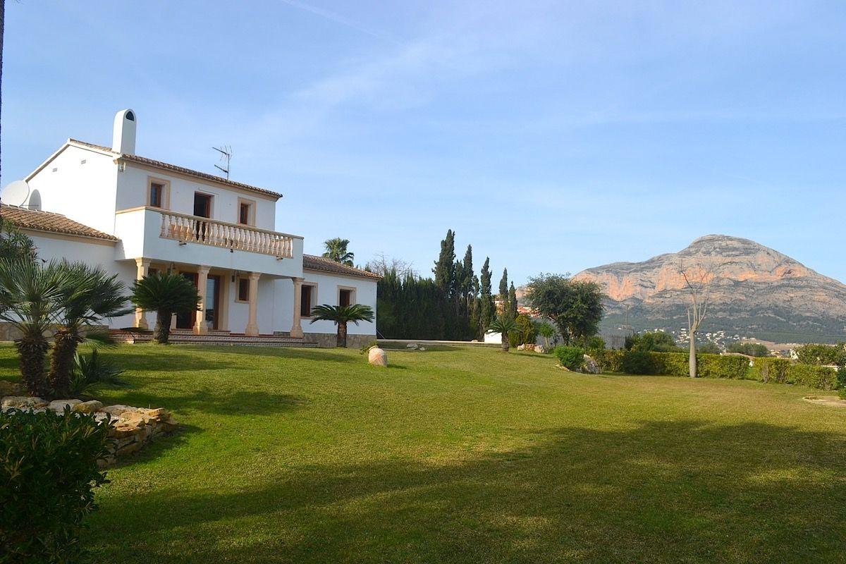 Вилла в Хавее, Испания, 7318 м2 - фото 1
