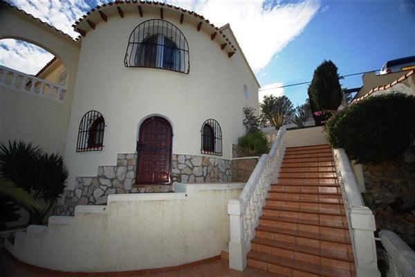 Вилла в Бенидолече, Испания, 1000 м2 - фото 1