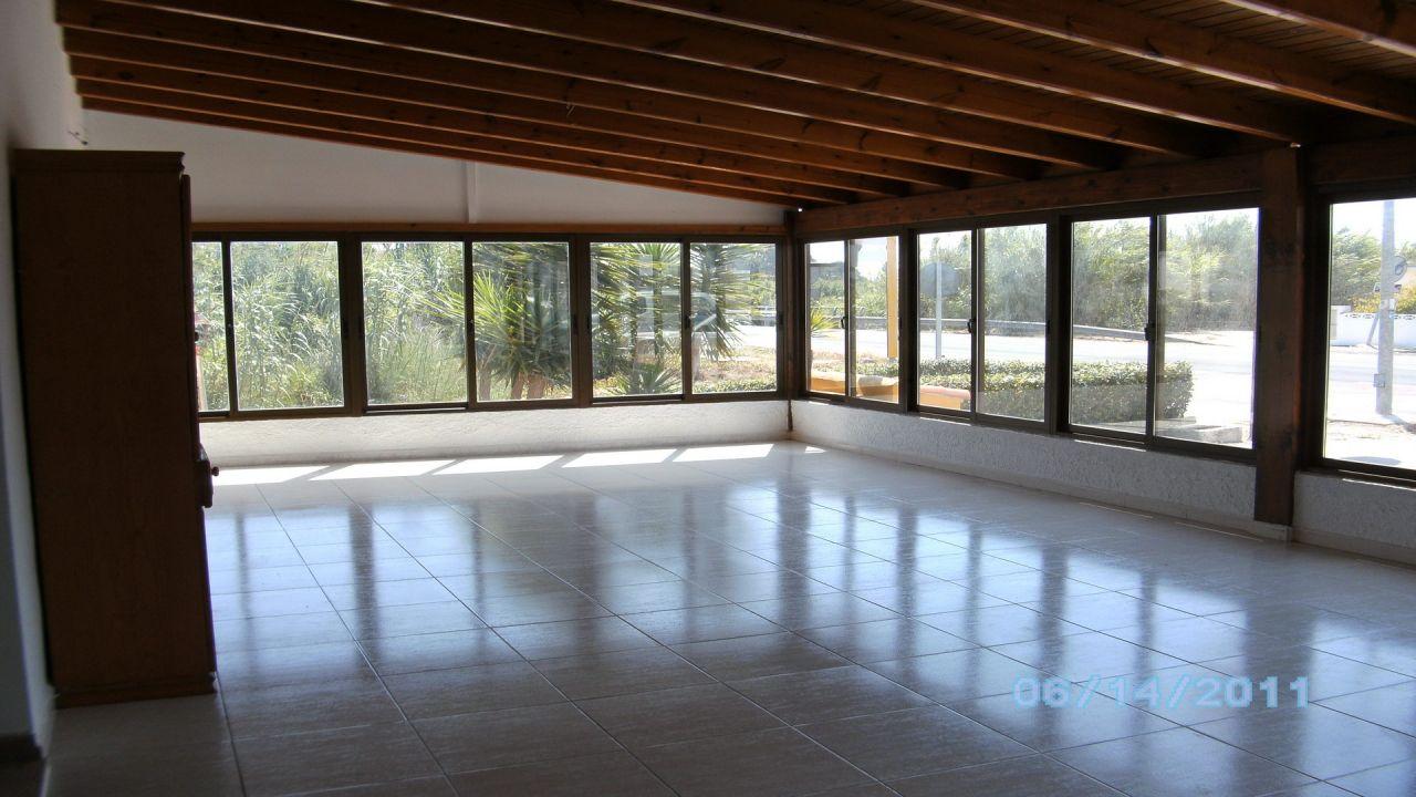 Коммерческая недвижимость в Эльс-Поблетс, Испания, 130 м2 - фото 1