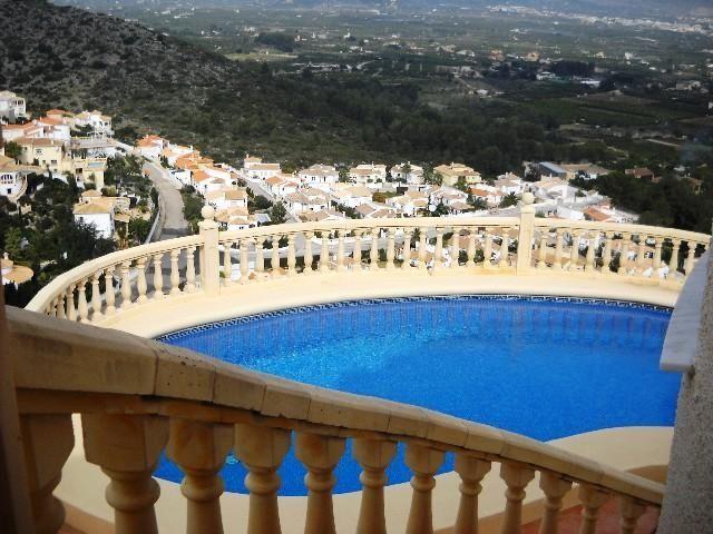 Вилла в Хавее, Испания, 380 м2 - фото 1