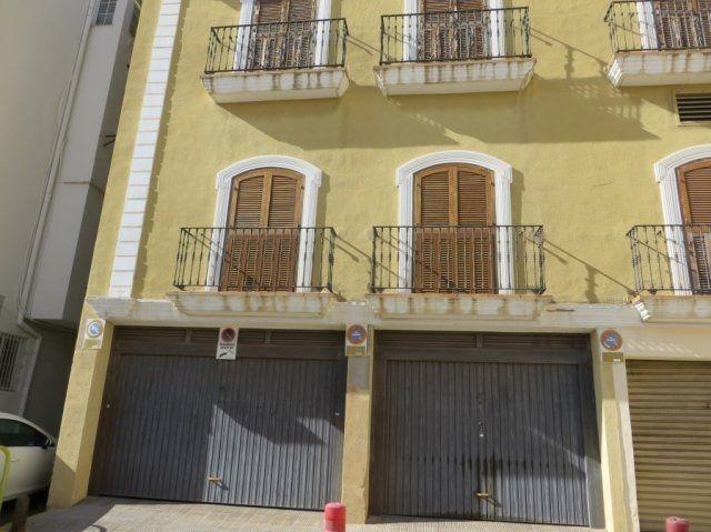 Коммерческая недвижимость в Дении, Испания, 100 м2 - фото 1