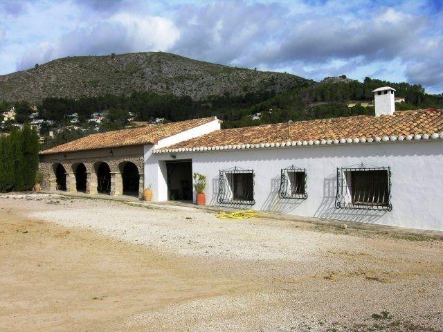 Вилла в Алькалали, Испания, 8045 м2 - фото 1