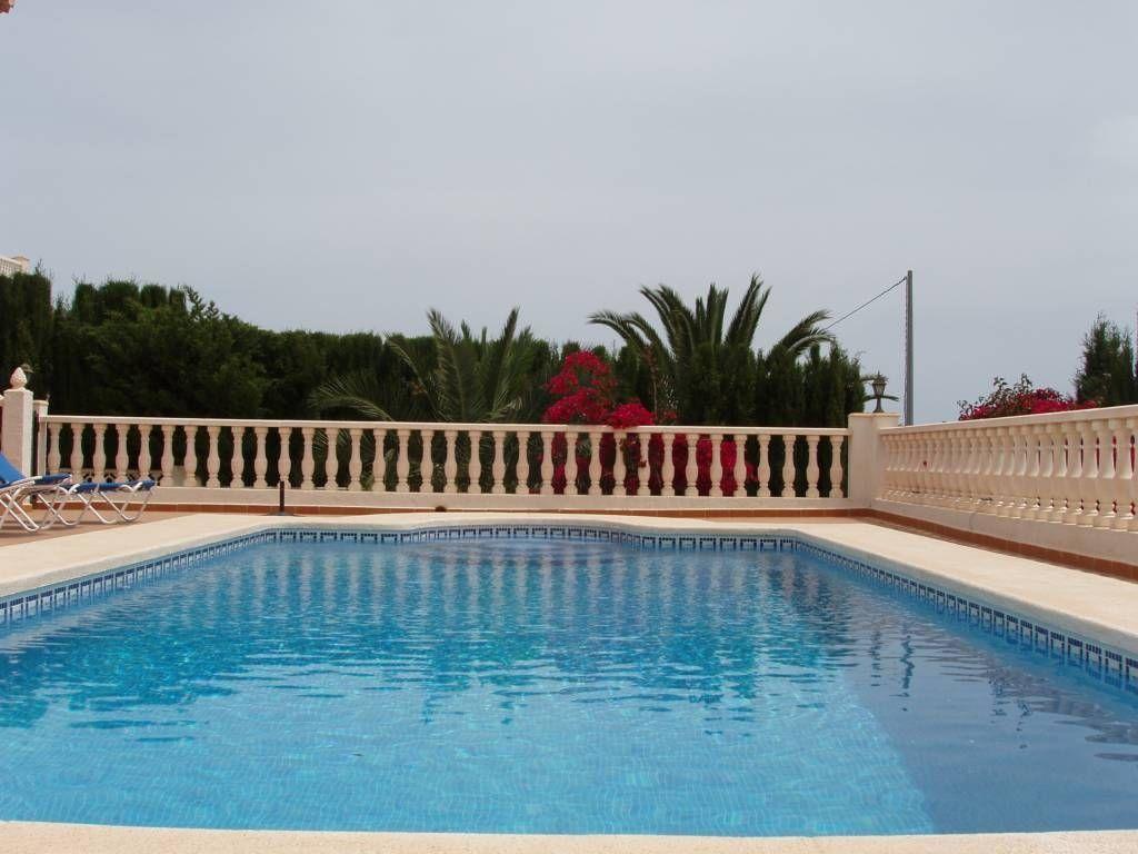 Вилла в Кальпе, Испания, 320 м2 - фото 1