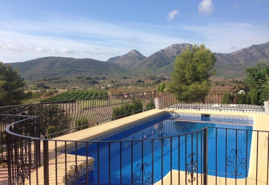 Вилла в Халоне, Испания, 967 м2 - фото 1