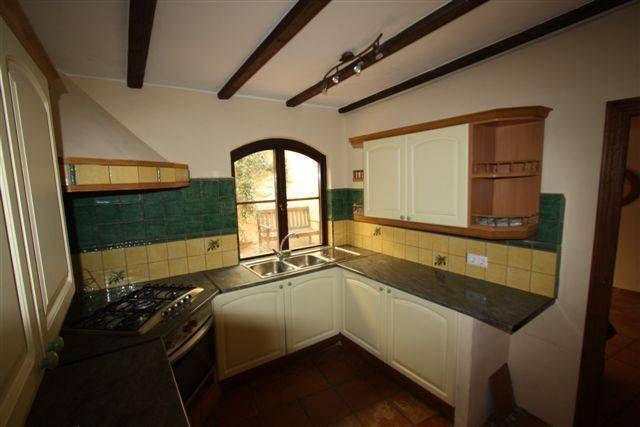 Коммерческая недвижимость в Халоне, Испания, 200 м2 - фото 1