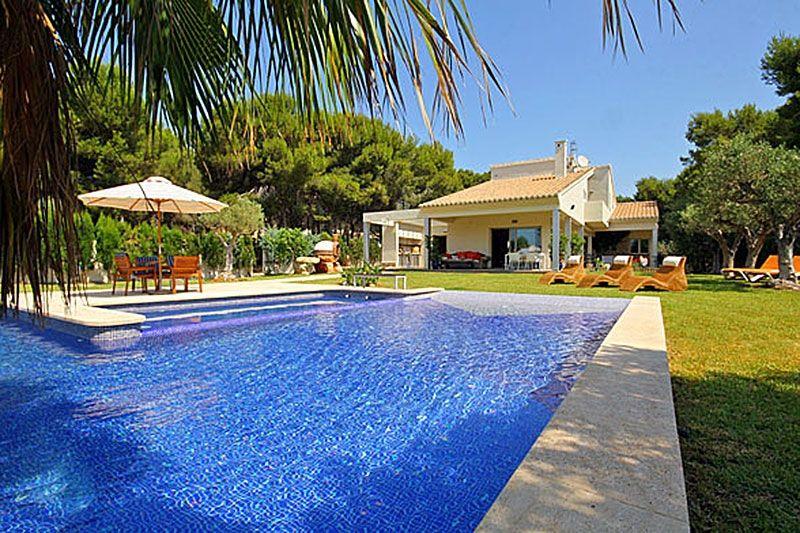 Вилла в Морайре, Испания, 489 м2 - фото 1